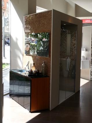 Spazio Rocasa planta calle baños